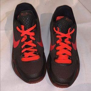 Nike Kobe 10 X Black Bright Crimson Sz-3.5Y Unisex